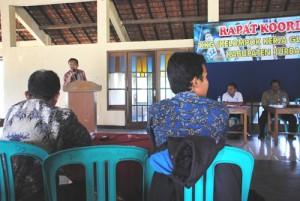 Kepala Dindik Kabupaten Purbalingga memberikan sambutan di hadapan para guru penjaskes (1)